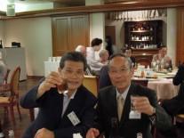 左から真々田岩槻支部会長さんと新井浦和春高会会長さん