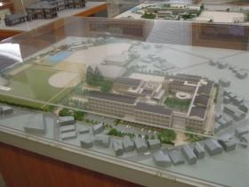 現在の近代的な校舎(平成11年(1999年)竣工)