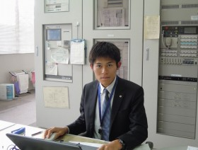 春日部高校で勤務する川内さん