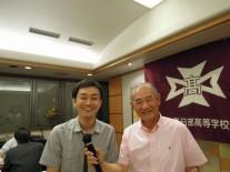 事務局長の大木さん(右)と広報担当の栗原さん