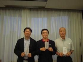 ベスグロ上位3名、左から2位長谷川さん・1位陶さん・3位大熊さん