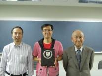 左から3位住本さん優勝大塚さん2位の高橋会長