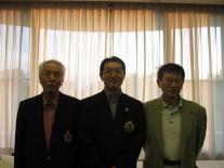 左からベスグロ2位の高橋さん1位の陶さん、3位の田村さん