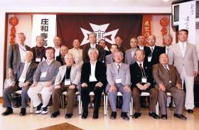 参加者は全員記念写真に収まりました。