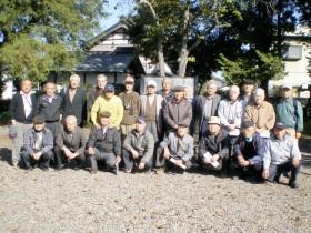 田中正造生誕地之墓前にて記念写真