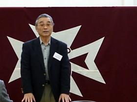 開会の挨拶に立つ長谷川現会長