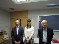 優勝した新井さん、中島さん、高橋会長