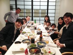 美味しい日本食は最高の贅沢です。自然と笑顔になります。
