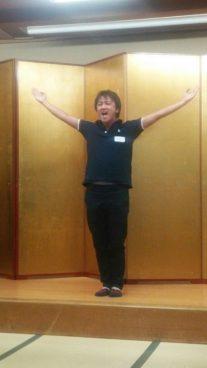 宇佐見浩紀さん(高58回)による校歌リーダー指揮