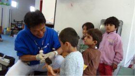 ドイツ国際平和村での矢倉さんと子供たち