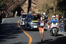 5区19㎞付近を快走する青木選手