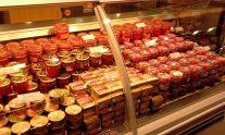 高級スーパーの魚卵(イクラ)売場