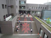 大階段から入場
