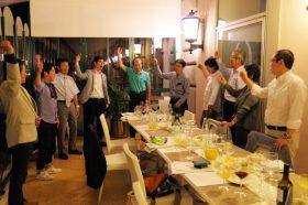 ローマのホテルで校歌を大合唱