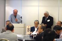 土生津さんの司会で総会が始まりました。