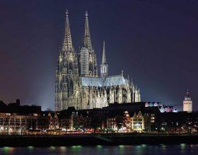 ケルン大聖堂の夜景